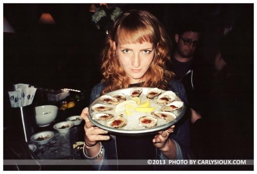 Ellena, Oysters @ DesNuda, Mar13