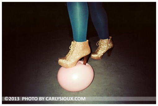 Elizabeth, Gold Boot, Pink Balloon, Mar13