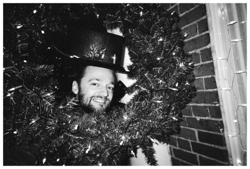 Marty,Wreath,TopHat, Snow, Dec12