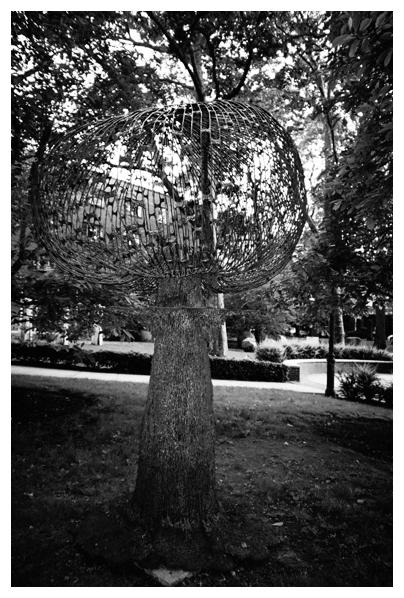 Intelligence, Orb, Tree, Alien, Pratt, May13