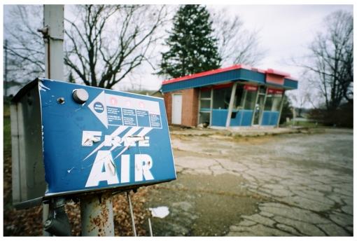 Free Air, Abandoned Gas Station, Lebanon, Dec13